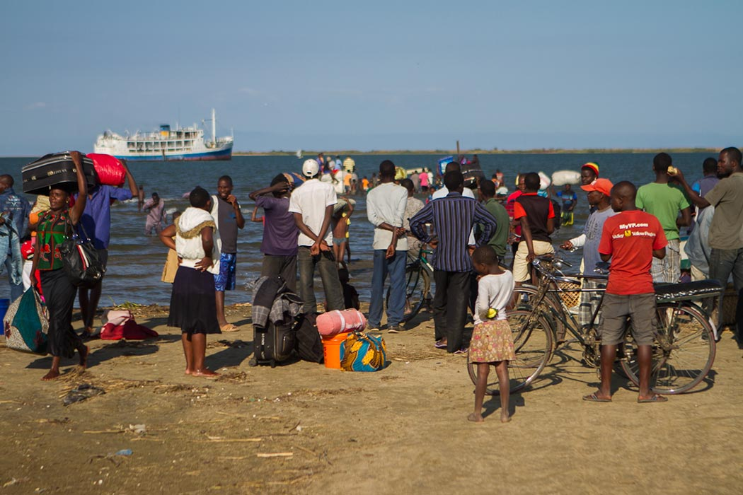 Nkhata Bay en attente Ilala ferry