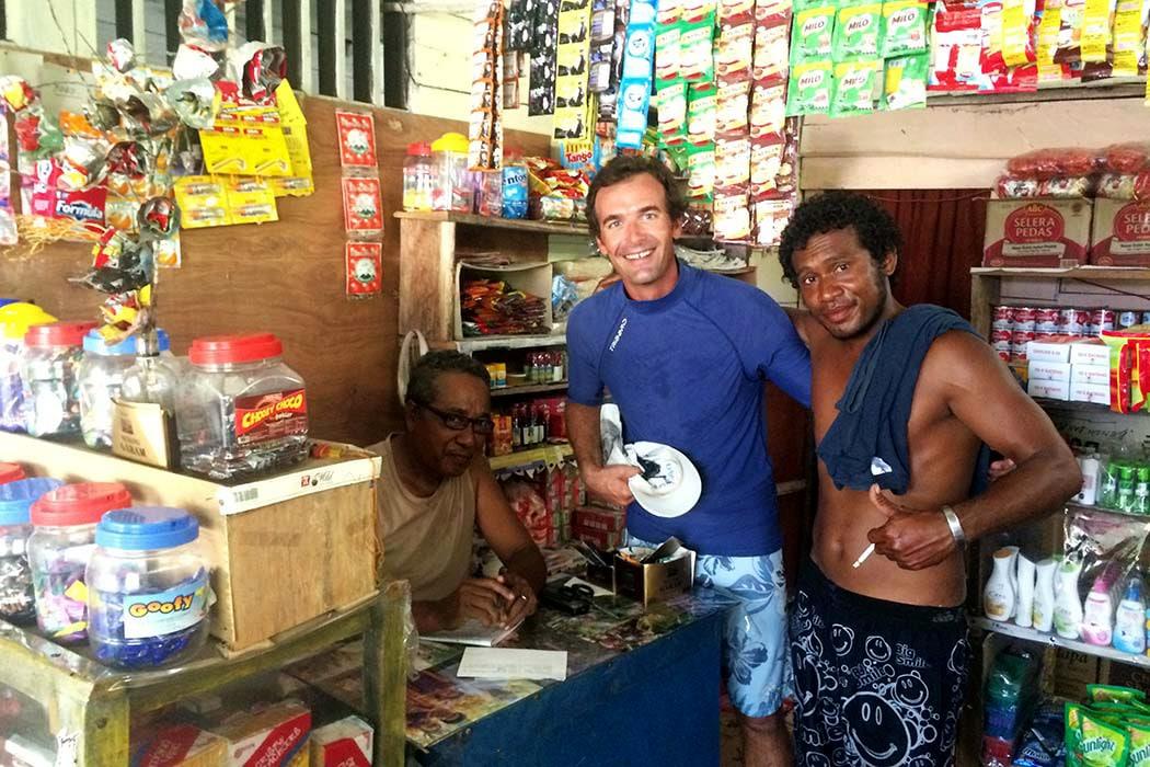 Papouasie village epicerie