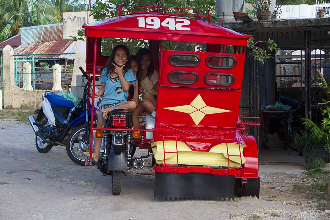 Siquijor enfants tricycle