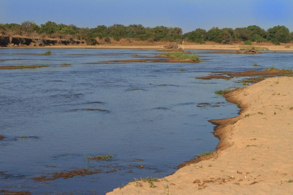 Zambie-North-Luangwa-Mwaleshi Crossing